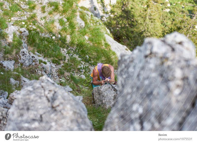 Auf den Pfaden der Berge Mensch Natur Jugendliche Mann Junger Mann Erholung Einsamkeit 18-30 Jahre Berge u. Gebirge Erwachsene Traurigkeit Gesundheit Sport