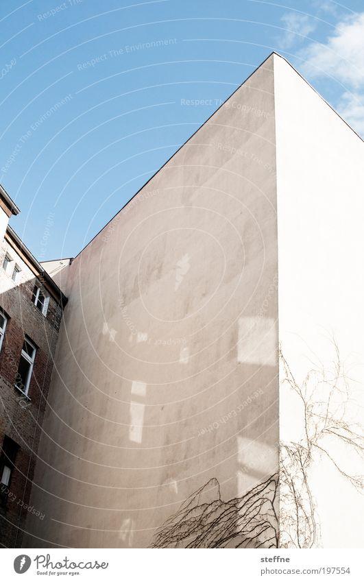 zett was here Himmel Stadt Haus Fassade Schönes Wetter Hinterhof Innenhof