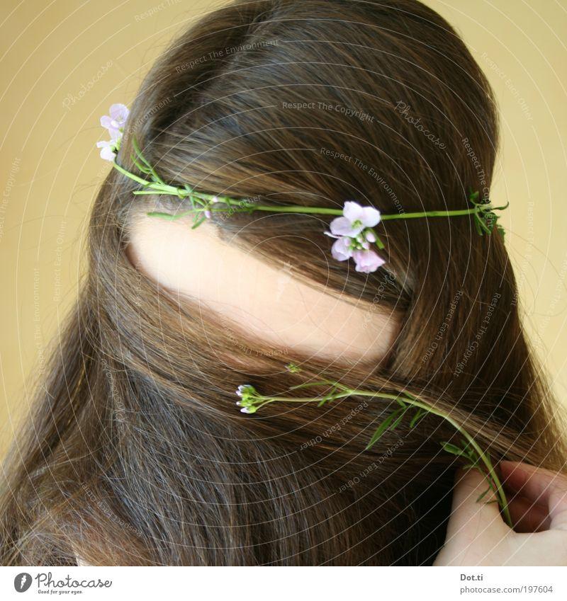 die Mädchen singen tralala Haare & Frisuren Mensch feminin Junge Frau Jugendliche Kopf Hand 1 18-30 Jahre Erwachsene brünett langhaarig Scheitel schön braun