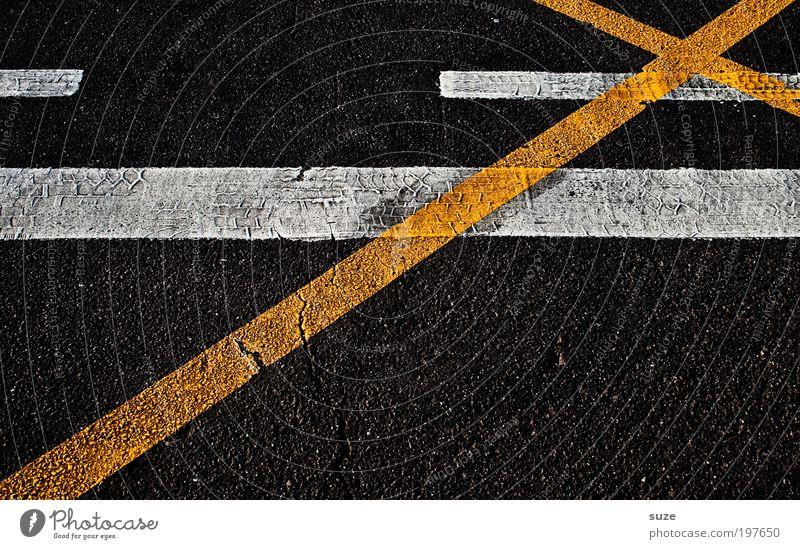 Satz mit X ... Baustelle Menschenleer Verkehr Straßenverkehr Autofahren Verkehrszeichen Verkehrsschild Zeichen Schilder & Markierungen Kreuz Linie dreckig