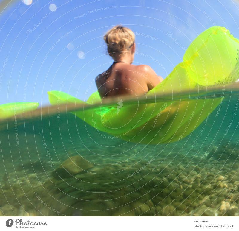 tragfähig Wohlgefühl Zufriedenheit Schwimmen & Baden Sommer Sonne Sonnenbad Strand Meer Mensch feminin Junge Frau Jugendliche Rücken 1 18-30 Jahre Erwachsene