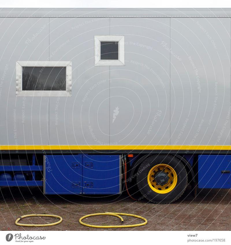 mobile Wohnung Verkehr Verkehrsmittel Lastwagen Wohnmobil Reisebus Metall Zeichen Linie Streifen ästhetisch authentisch dünn eckig elegant gut einzigartig