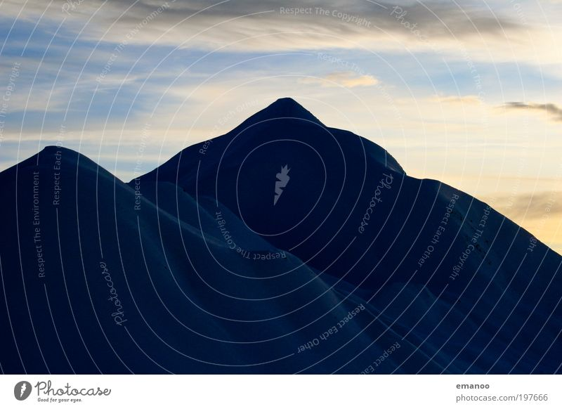 dark mountain Ferien & Urlaub & Reisen Freiheit Expedition Winter Schnee Winterurlaub Berge u. Gebirge Landschaft Klima Hügel Alpen Gipfel Schneebedeckte Gipfel
