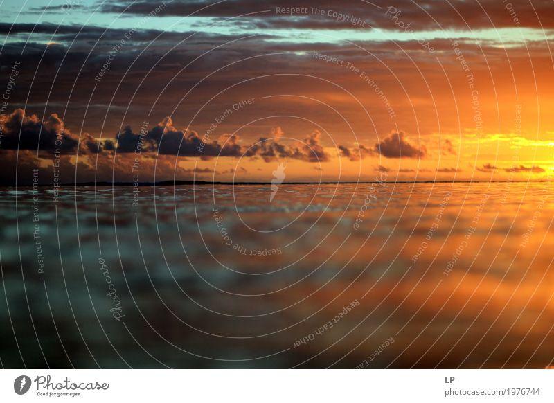 Kontrast auf dem Ozean Himmel Natur Ferien & Urlaub & Reisen Meer Erholung Wolken ruhig Ferne Strand Umwelt Leben Lifestyle Gefühle Tourismus Häusliches Leben