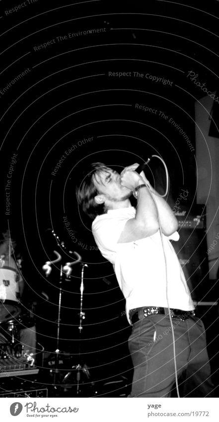 auf dem konzert Mann Körperhaltung Show Konzert Mikrofon Sänger Gesang