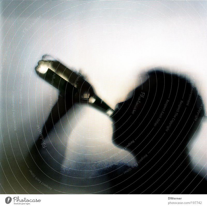 anonymer Alkoholiker blau Freude Stil Lifestyle Party maskulin genießen Getränk trinken Wein Krankheit Bier Flasche Alkohol Sucht Erfrischungsgetränk