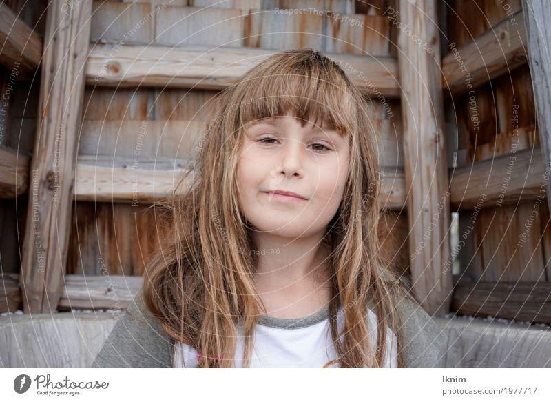 Hey ja? Mensch Kind Mädchen Gesundheit feminin Glück Zufriedenheit nachdenklich Kindheit authentisch Neugier Sicherheit Glaube 8-13 Jahre Wachsamkeit