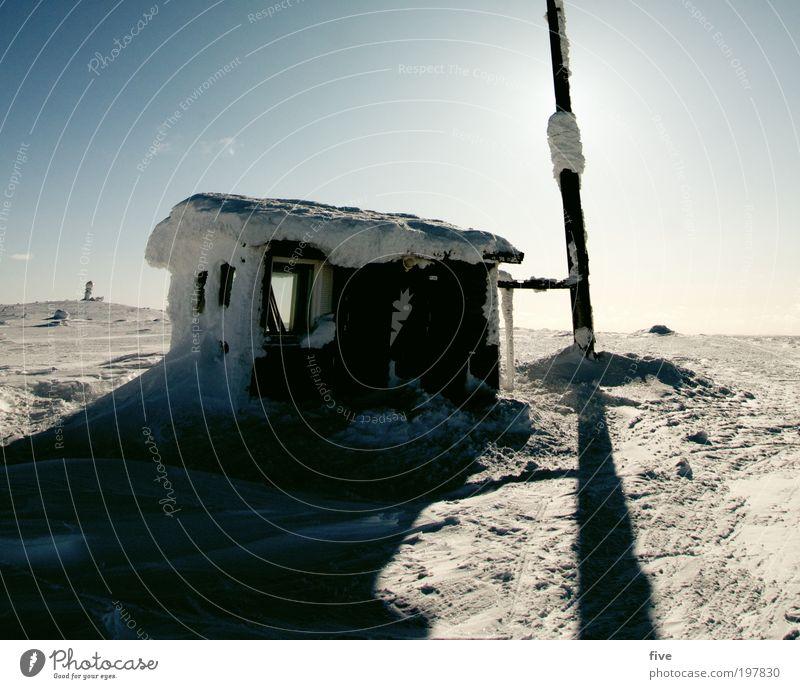 strandhaus Himmel Ferien & Urlaub & Reisen Haus Ferne Winter Fenster kalt Berge u. Gebirge Schnee Freiheit Eis Tourismus Ausflug Schönes Wetter Dach Frost