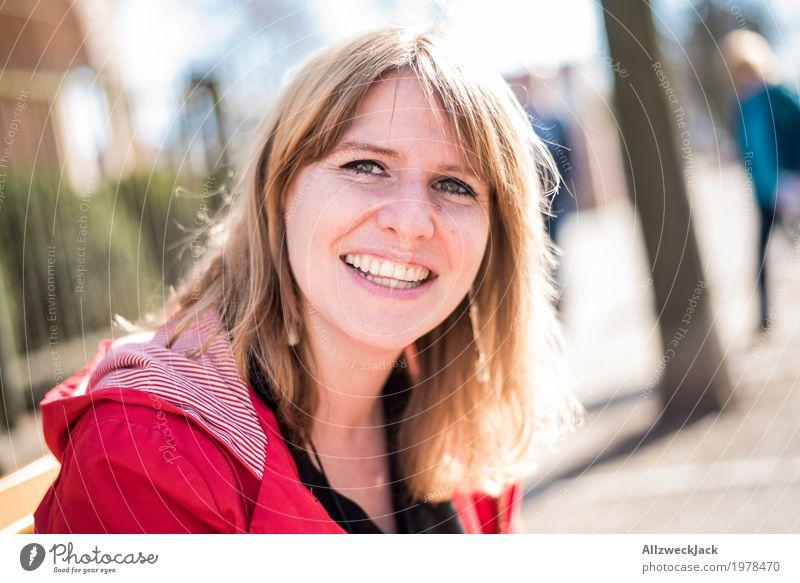 Woman smiling Mensch Frau Jugendliche Junge Frau schön Freude 18-30 Jahre Erwachsene Leben Gefühle natürlich feminin lachen Glück Zusammensein Freundschaft