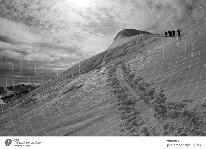 hochalpin Mensch Natur Ferien & Urlaub & Reisen Landschaft Freude Winter kalt Berge u. Gebirge Schnee Menschengruppe Freiheit Freizeit & Hobby Tourismus wandern