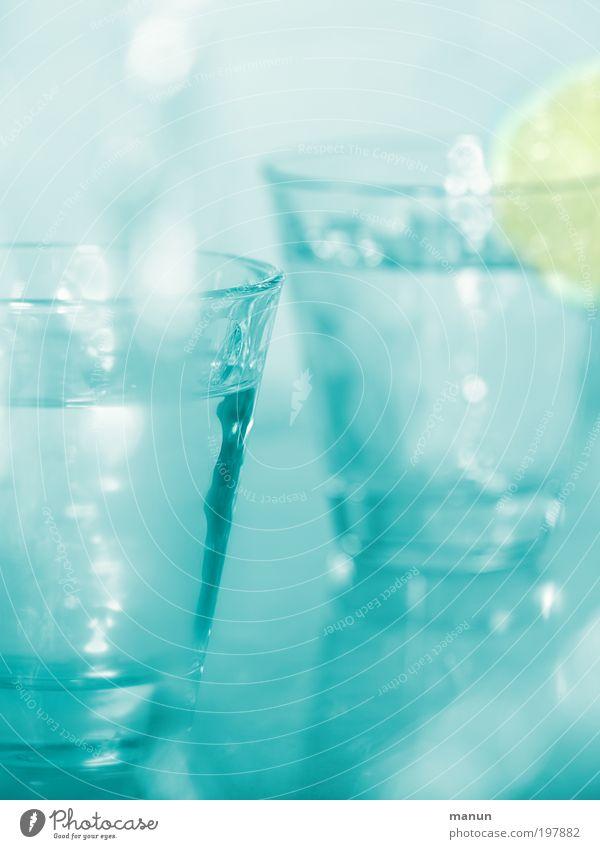 refresh blau kalt Leben Gesundheit Feste & Feiern Lifestyle frisch Glas Trinkwasser Getränk Lebensfreude Küche trinken Wellness Gastronomie Wohlgefühl
