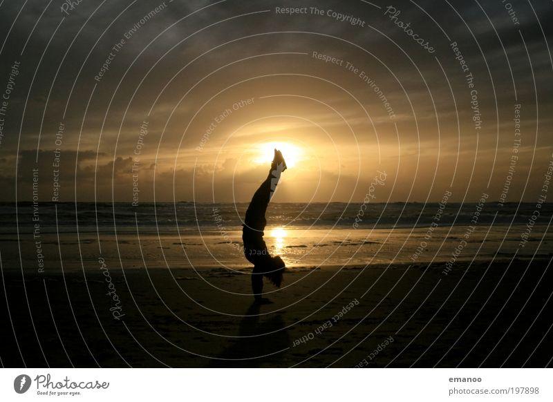 Stand der Sonne Freude Freizeit & Hobby Ferien & Urlaub & Reisen Tourismus Freiheit Sommer Sommerurlaub Strand Meer Wellen Sport Mensch Jugendliche Körper 1