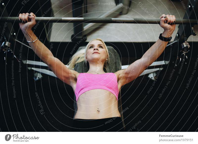 Fitness_40_1979151 Lifestyle feminin Junge Frau Jugendliche Erwachsene Mensch 18-30 Jahre Bewegung Fitness-Center Gesundheit Sport-Training üben Bustier