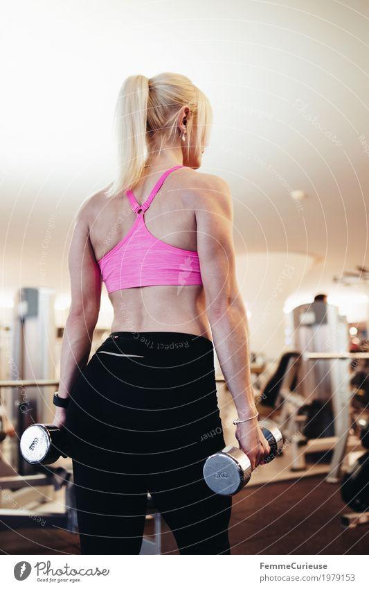 Fitness_21_1979153 Mensch Frau Jugendliche Junge Frau 18-30 Jahre Erwachsene Lifestyle Gesundheit Bewegung Sport feminin blond Rücken Arme sportlich