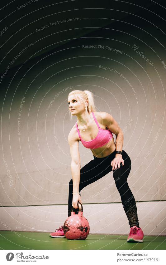 Fitness_22_1979161 Mensch Frau Jugendliche Junge Frau 18-30 Jahre Erwachsene Lifestyle Gesundheit Bewegung Sport feminin rosa blond Arme Fitness sportlich