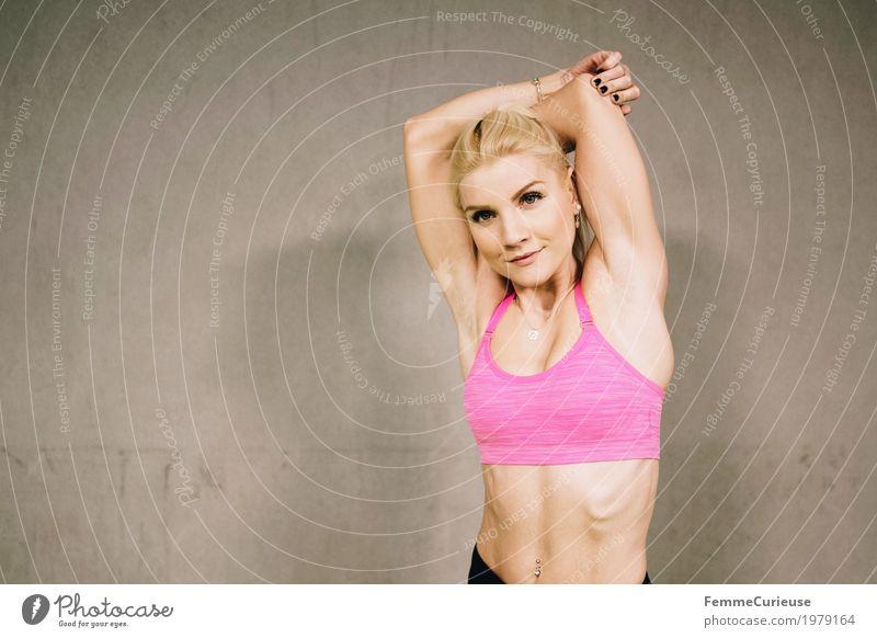 Fitness_16_1979164 Lifestyle feminin Junge Frau Jugendliche Erwachsene Mensch 18-30 Jahre Bewegung Dehnung dehnen Arme Sport sportlich Sportler Sport-Training