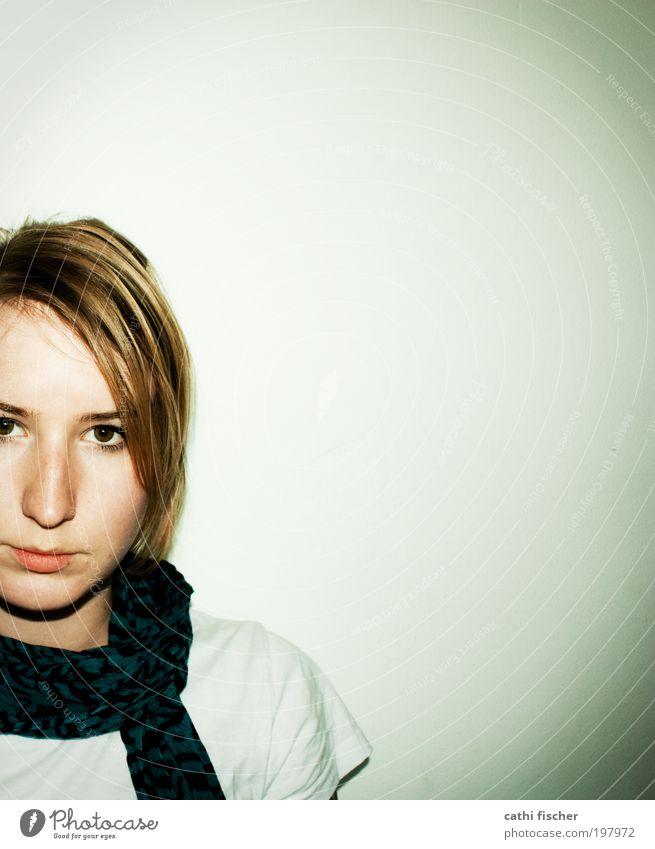 selbstportait feminin Frau Erwachsene Kopf Haare & Frisuren Gesicht Auge Nase Mund Lippen Schulter 1 Mensch 18-30 Jahre Jugendliche T-Shirt Schal blond