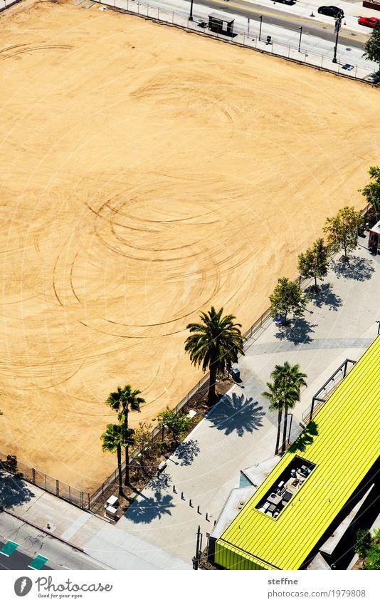 Kornkreise überbevölkert Menschenleer Stadt Baustelle Los Angeles Kalifornien Palme kornkreis Reifenspuren Verschwörungstheorie außerirdisch Vogelperspektive