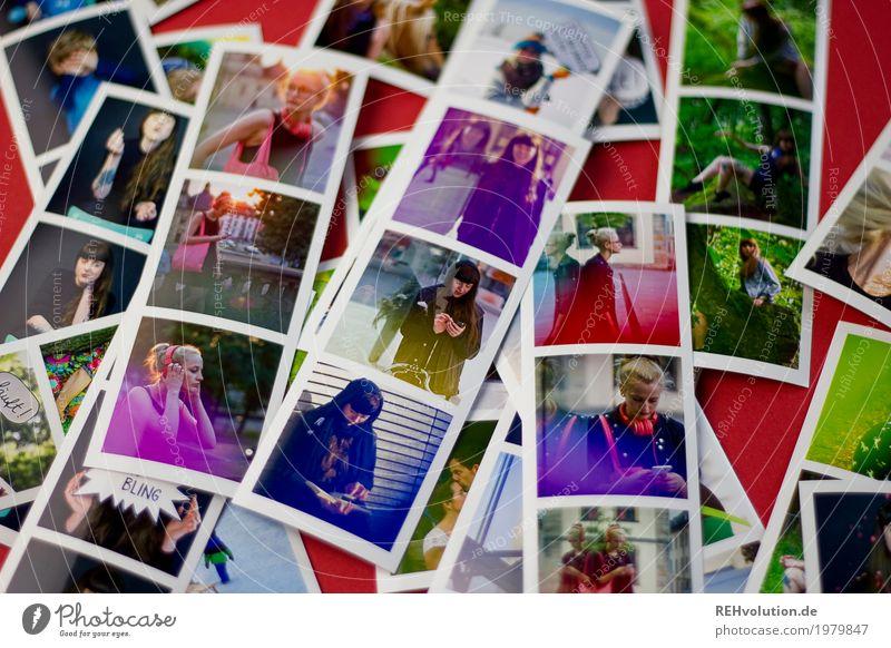 Fotos von Fotos Mensch Jugendliche Stadt 18-30 Jahre Erwachsene Lifestyle natürlich Stil feminin außergewöhnlich Design Freizeit & Hobby liegen ästhetisch