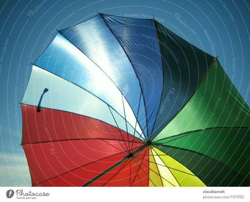 Das Leben ist bunt! Sonne Meer Sommer Freude Ferien & Urlaub & Reisen Erholung Spielen Freiheit Zufriedenheit glänzend mehrfarbig Ausflug Fröhlichkeit Regenschirm Lebensfreude