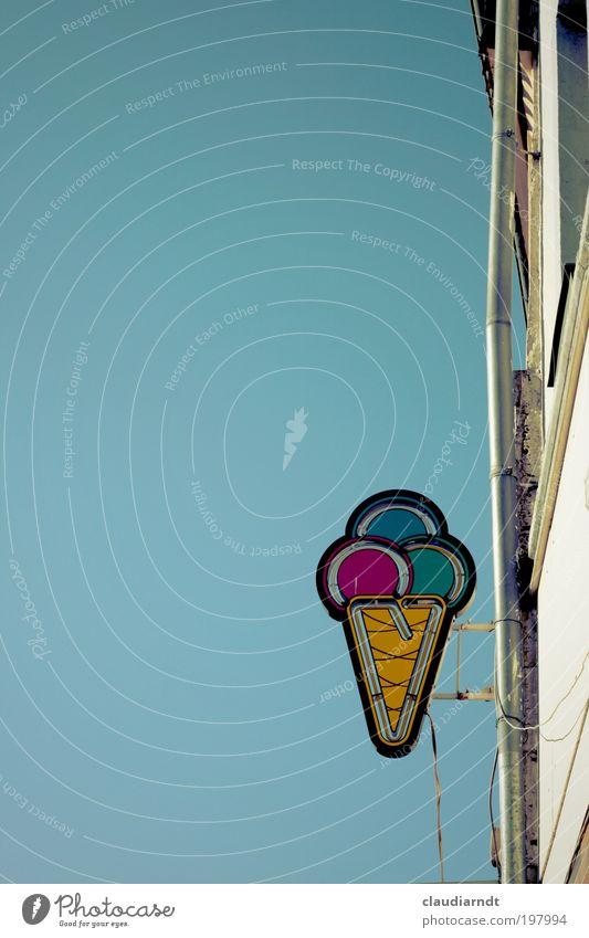 Eiszeit blau Sommer Ernährung Lebensmittel Schilder & Markierungen Speiseeis Fassade Kabel Gastronomie Werbung leuchten Süßwaren Handel hängen Neonlicht Backwaren