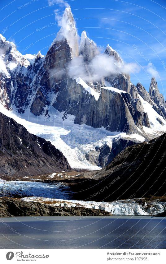 Cerro Torre Landschaft Wasser Himmel Wolken Berge u. Gebirge entdecken Erholung träumen schön blau Kraft Farbfoto Außenaufnahme Tag Froschperspektive