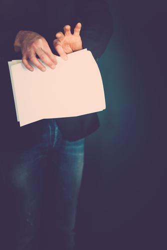 zerreißen Lifestyle Gesundheit Wissenschaften Schule lernen Student Prüfung & Examen Arbeitsplatz Business Mensch Mann Erwachsene Leben Hand Finger 1 toben Wut
