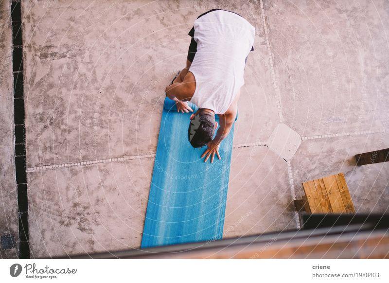 Jugendliche Mann Junger Mann Erwachsene Lifestyle Gesundheit Sport Wohnung Freizeit & Hobby Häusliches Leben maskulin modern Kraft Fitness sportlich heimwärts