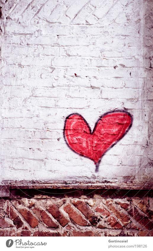 Love [LUsertreffen 04|10] alt rot Liebe Wand Stein Mauer Gebäude Graffiti Herz Kunst Architektur Fassade Romantik Fabrik Vergänglichkeit
