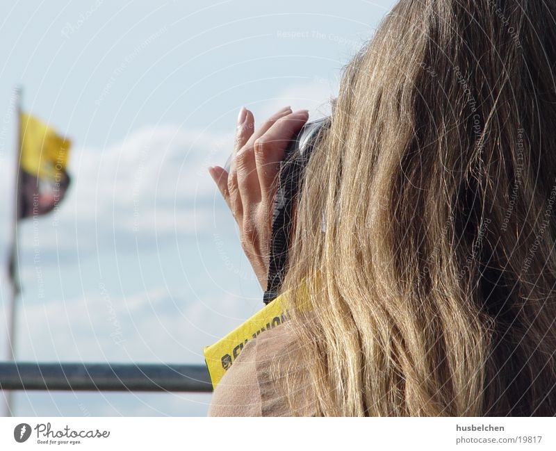 fernsehen Frau Hand Haare & Frisuren blond Aussicht Fernsehen Fingernagel Fernglas