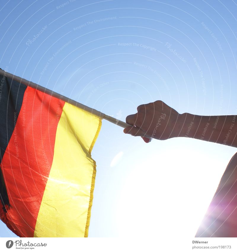 Weltmeister? Himmel rot Sonne Sommer Freude schwarz Erwachsene Spielen Gefühle Bewegung Glück Deutschland Kraft gold Arme Erfolg