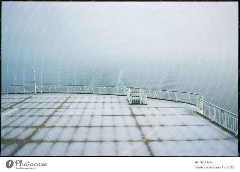 Frost auf dem Deck Meer ruhig Ferne kalt Denken Landschaft Eis Kunst Nebel Umwelt Tourismus Güterverkehr & Logistik Klima unten frieren