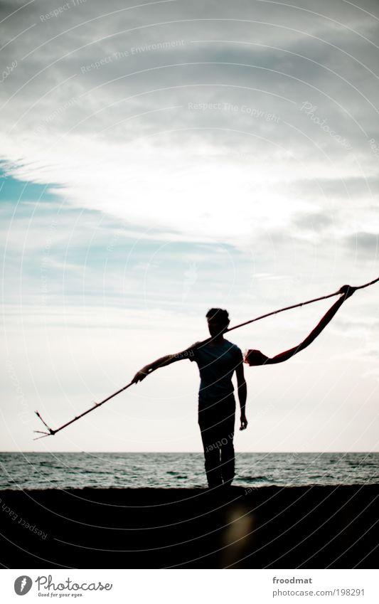 1100 - weiter geht's Mensch Mann Erwachsene dunkel Küste Kraft laufen wandern maskulin Erfolg Coolness Wandel & Veränderung Macht bedrohlich Fahne Mut
