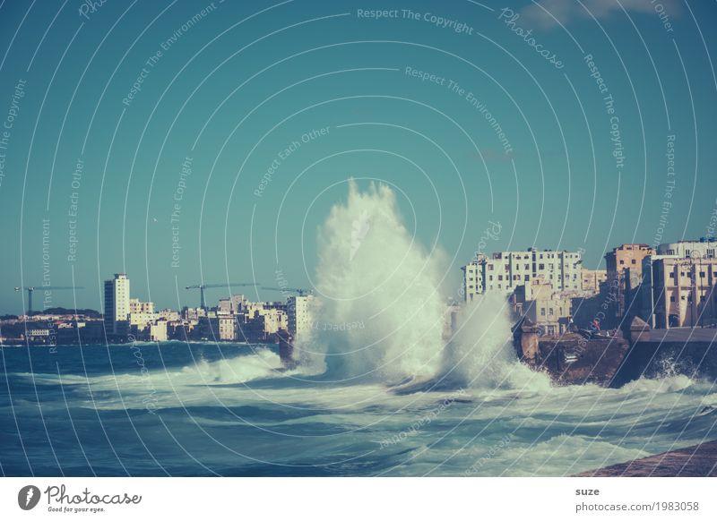 Lautes Wasser Ferien & Urlaub & Reisen Meer Wellen Haus Natur Urelemente Himmel Küste Bucht Stadt Hauptstadt Skyline Architektur außergewöhnlich fantastisch