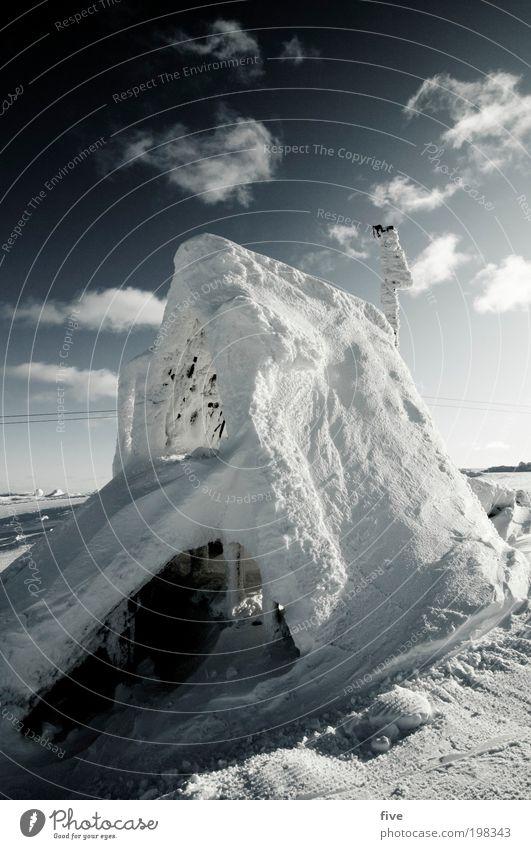 starthaus Ferien & Urlaub & Reisen Tourismus Freiheit Winter Schnee Winterurlaub Himmel Wolken Eis Frost Hügel Haus kalt Finnland Skandinavien Starthaus Norden