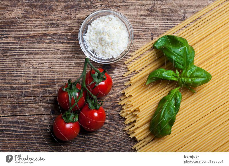 Zutat rot Essen gelb Holz Lebensmittel braun Ernährung authentisch Kräuter & Gewürze kochen & garen Gemüse gut Holzbrett Bioprodukte Vegetarische Ernährung