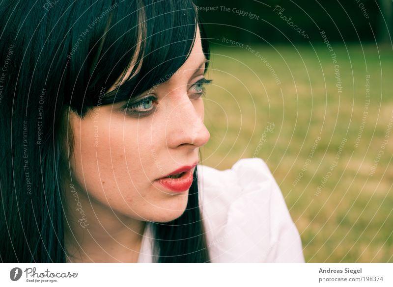 Chamandeux Mensch Natur Jugendliche Sommer Gesicht ruhig Leben Erholung Wiese feminin Freiheit Haare & Frisuren Stimmung Erwachsene elegant
