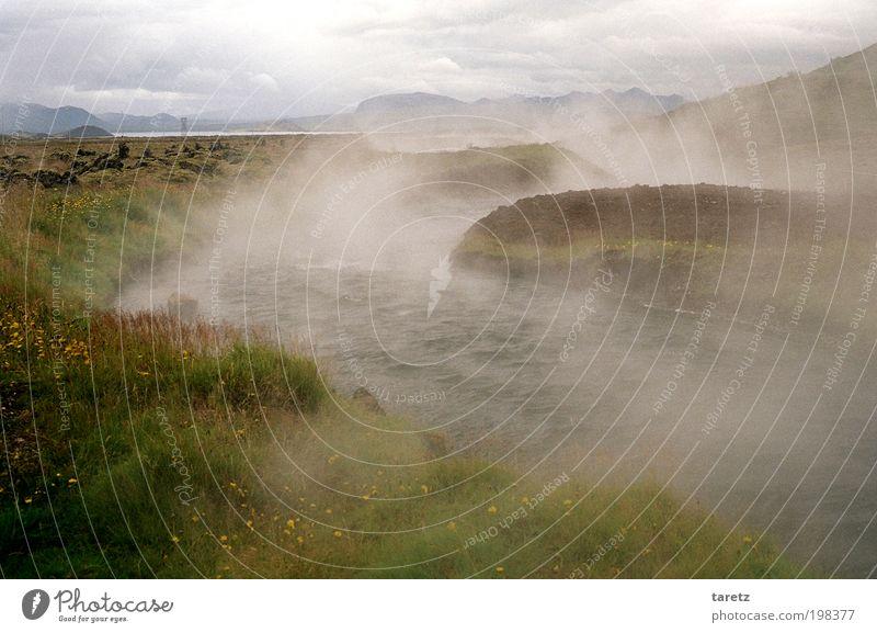 Dampfbad Natur Wasser Wolken Wiese Landschaft Nebel Umwelt Feuer wild heiß natürlich außergewöhnlich Island Urelemente Bach Wasserdampf