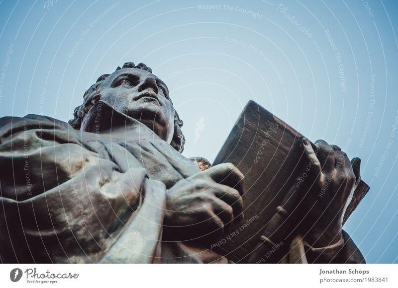 Martin Luther VI 500 Christentum Erfurt Protestantismus Religion & Glaube Gott Jubiläum Orientierung Reform Rede Blauer Himmel Farbfoto Statue Denkmal