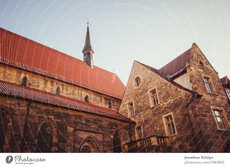 Ursulinenkloster Erfurt II alt Stadt rot Winter Architektur Religion & Glaube Schnee Gebäude Fassade Kirche historisch Turm Dach Bauwerk Sehenswürdigkeit