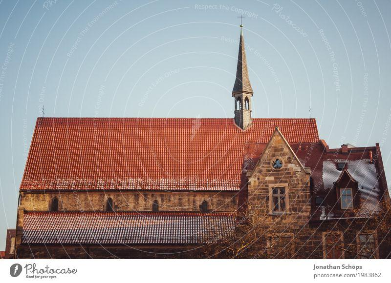 Ursulinenkloster Erfurt I alt Stadt rot Winter Architektur Religion & Glaube Schnee Gebäude Fassade Kirche historisch Turm Dach Bauwerk Sehenswürdigkeit