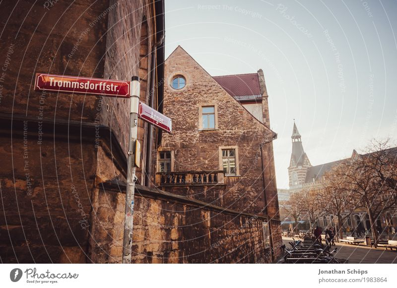 Ursulinenkloster Erfurt III alt Stadt rot Winter Architektur Religion & Glaube Schnee Gebäude Fassade Kirche Platz historisch Turm Dach Bauwerk Sehenswürdigkeit