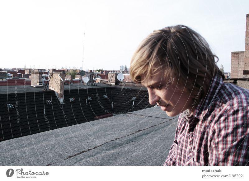Über den Dächern von Berlin Ferien & Urlaub & Reisen Jugendliche Mann Stadt Erholung 18-30 Jahre Gesicht Erwachsene Wärme Leben Gefühle Glück Freiheit Lifestyle