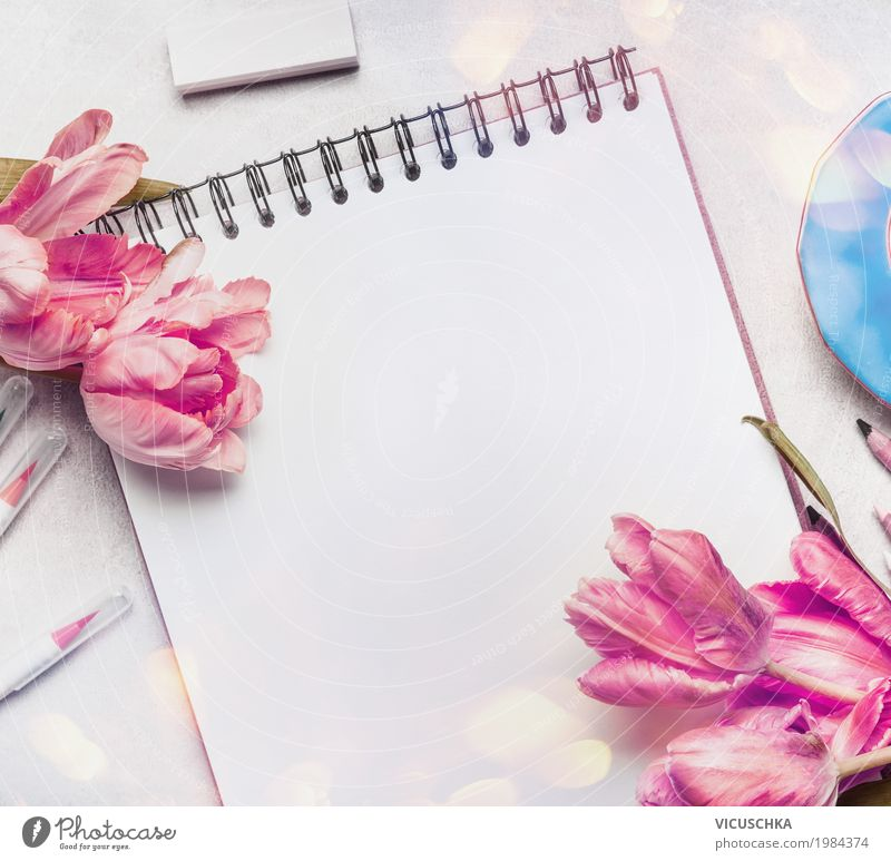 Rosa Tulpen, Notizbuch oder Skizzenbuch und bunte Marker Sommer Blume Blatt Blüte Liebe Hintergrundbild Stil Feste & Feiern Design rosa Dekoration & Verzierung