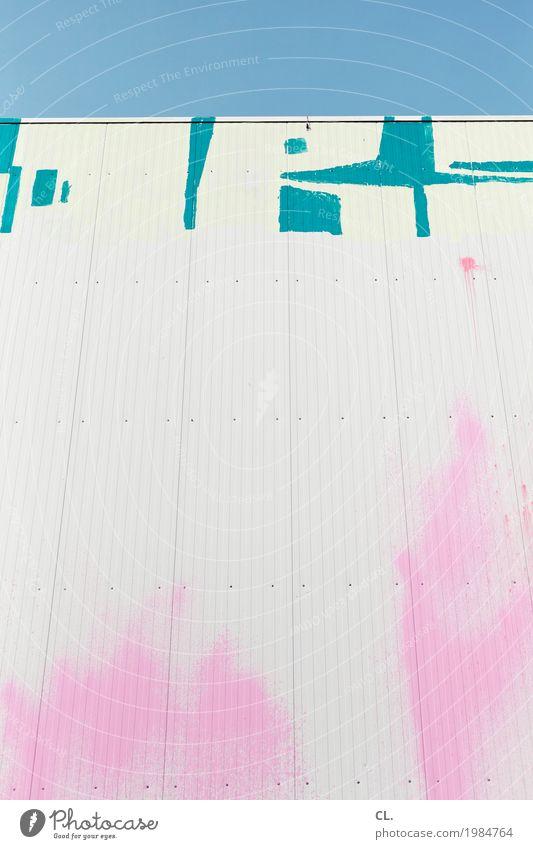 titel Kunst Kunstwerk Jugendkultur Subkultur Wolkenloser Himmel Schönes Wetter Mauer Wand Graffiti ästhetisch Stadt blau rosa türkis weiß Farbe Inspiration
