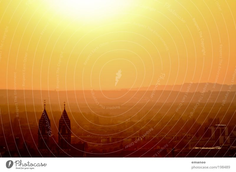 big city light Stadt Sonne Ferien & Urlaub & Reisen Sommer Haus gelb Wärme Gebäude hell Zusammensein gold Ausflug Tourismus Klima Kirche Häusliches Leben