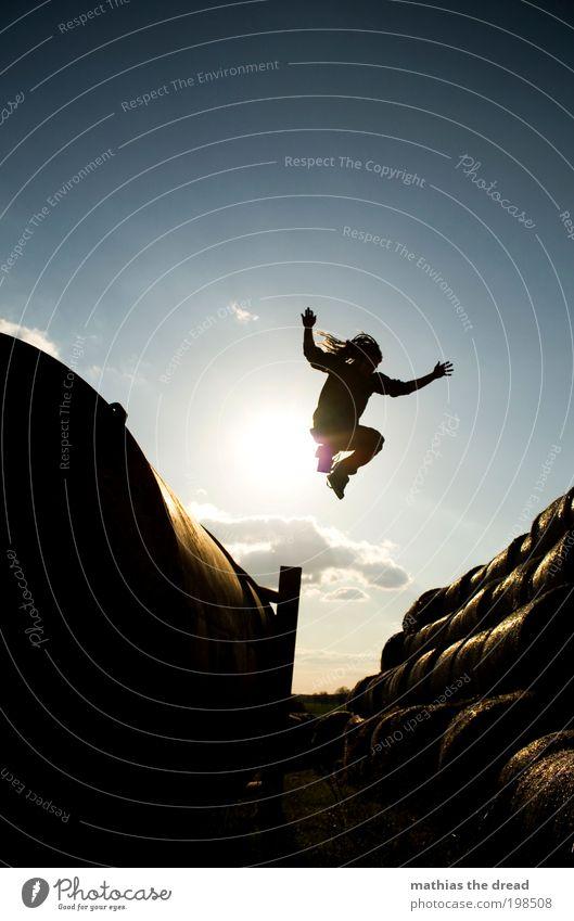 NUR FLIEGEN IST SCHÖNER Mensch Natur Jugendliche Sommer Wolken Erwachsene Umwelt Landschaft Spielen Bewegung springen Horizont Feld Freizeit & Hobby fliegen