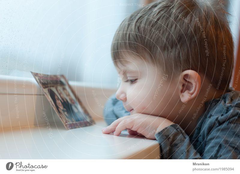 schau dir das an Kind Kleinkind Junge Geschwister Bruder Familie & Verwandtschaft Kindheit Leben 1 Mensch 1-3 Jahre beobachten Denken Kommunizieren Lächeln
