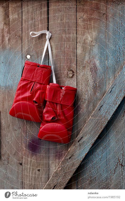 alt blau rot Sport Holz retro Erfolg Seil Symbole & Metaphern hängen schäbig Entwurf Konkurrenz Leder Handschuhe rustikal
