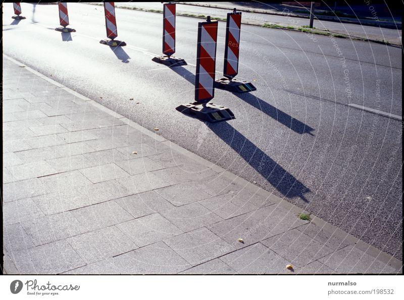 Schattensicherheit Straße Farbe Arbeit & Erwerbstätigkeit Umwelt Schilder & Markierungen Verkehr Güterverkehr & Logistik Baustelle Unfall Zeichen